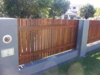 gates fences 024